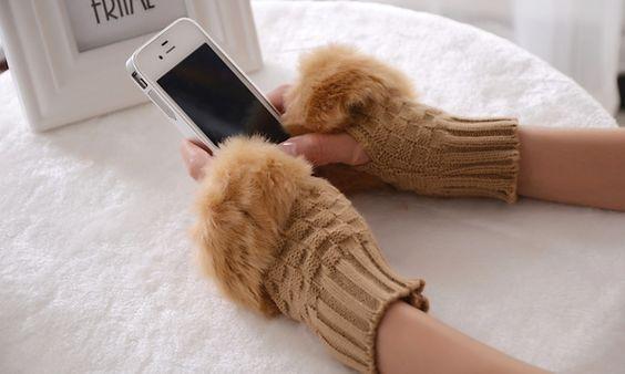 Groupon Goods Global GmbH Oferta del día | Groupon 1 par de guantes sin dedos de piel sintética y lana por 8,95 €
