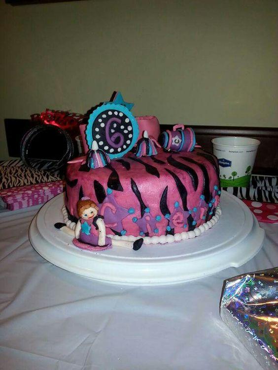 Cheerleading cake