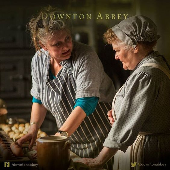 downtonabbey_official Mrs Patmore taking cookery classes? Surely not.  #Downton #DowntonAbbey #BehindTheScenes #TheFinalSeries