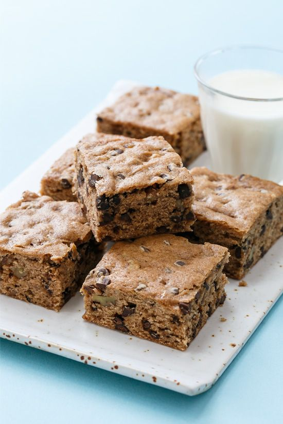 Chocolate Chip Banana Bread Blondies | Love and Olive Oil