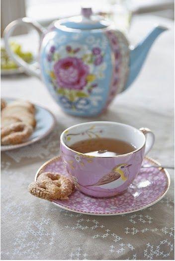Love the bird tea cup! (DM)