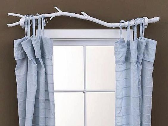 Cute curtain rod, super inexpensive!