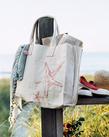 DIY Appliqued Sea Star Tote Bag. Perfect for the beach!