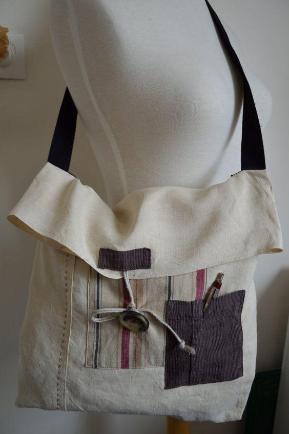 Antic+linen+flap+bag+by+Ruedescoquelicots+on+Etsy,+€39.00 simples, molinha cru com dois bolsos e uma so alca