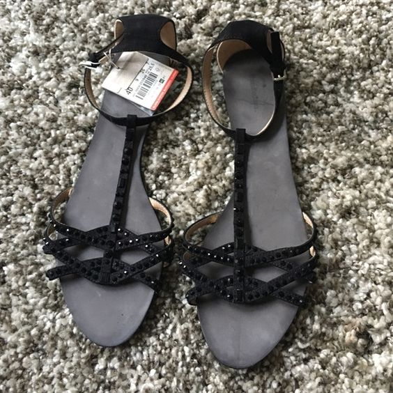 NWT Zara Tradaluc leather Crystal Black Sandals NWT Zara Trafaluc Leather Crystal Black sandals in size 40 - usa 9-10 depending on fit preference! Tags still attached with extra crystals! Sold out in stores and online! Rare find. No trades please ❤️ Zara Shoes Sandals