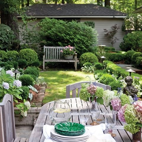 What S Your Favorite Way To Fill A Tall Space We Think Oversized Wall Art And Stunning Chandeliers Are Always Gre In 2020 Cottage Garden Outdoor Gardens Garden Design