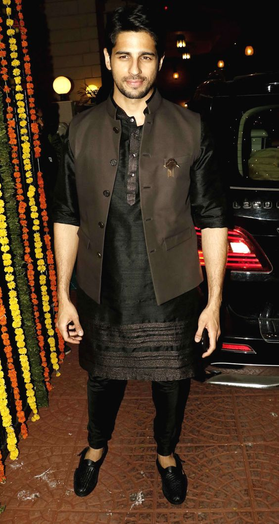 Black men kurta for wedding