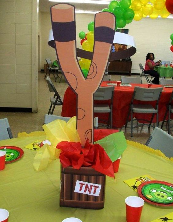Angry Birds Birthday Party: Centrepiece Idea