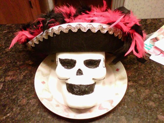 "Phantom of the Opera - ""Masquerade"" cake."