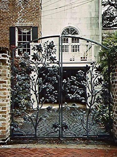 Savannah Wrought Iron Gate I M Happiest In Savannah