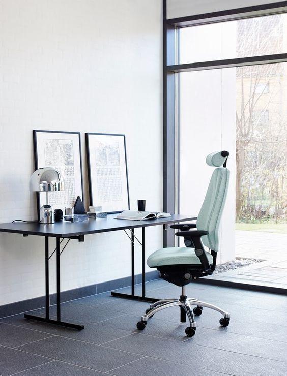 Flokk Minimal Office Design With Comfortable Office Chair Scandinavian Design In 2020 Minimal Office Design Comfortable Office Chair Design