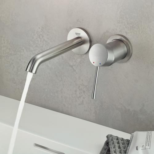 Grohe Essence 2 Loch Waschtischbatterie Fur Wandmontage Ausladung 183 Mm Supersteel Armaturen Bad Essence Batterien