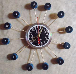 MANUALIDADES CON RECICLAJE: reloj con CD