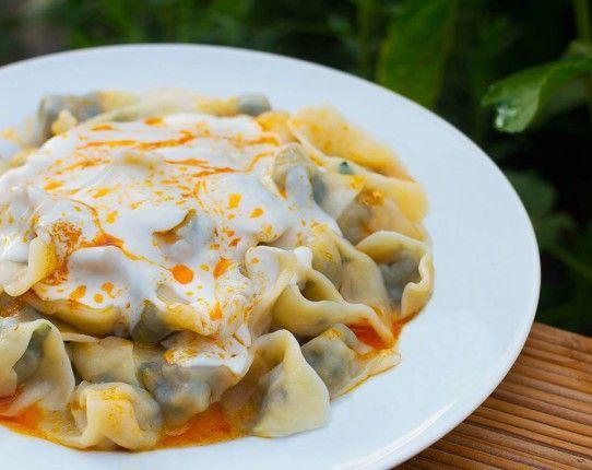 Manti Rezept mit Joghurt-Paprika-Soße