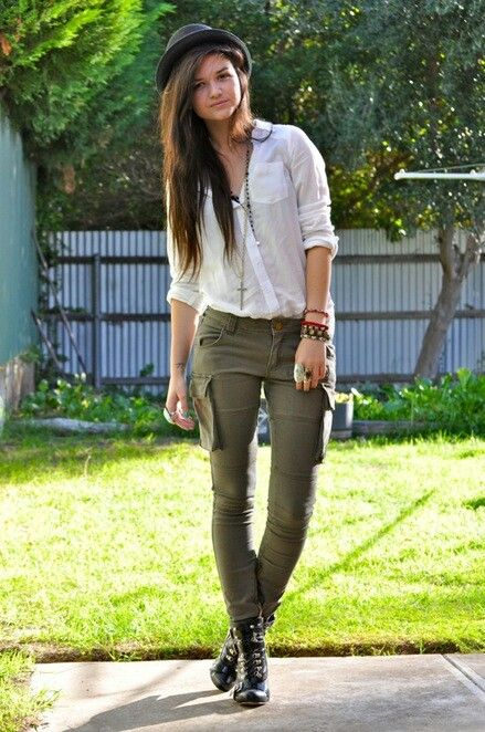 Outfits With Green Cargo Pants