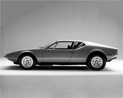 ...DeTomaso is in some song I used to live, but can't remember...& it's cool. DeTomaso Pantera (Ghia), 1970-71.