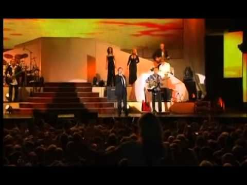 ▶ Roland Kaiser - Santa Maria (Live in Dresden 2011) - YouTube