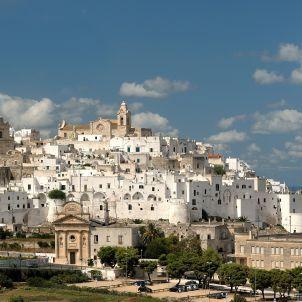 Die weiße Stadt Ostuni, Apulien, Italien. www.spiegel-online.de