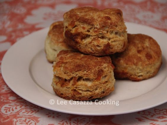 Izetta's Southern Cooking: CHEDDAR CHEESE BUTTERMILK BISCUITS