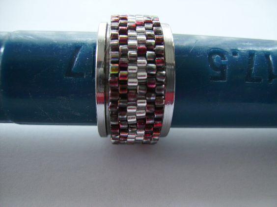 Dieser Ring ist passend zu der Trägerperlenkette