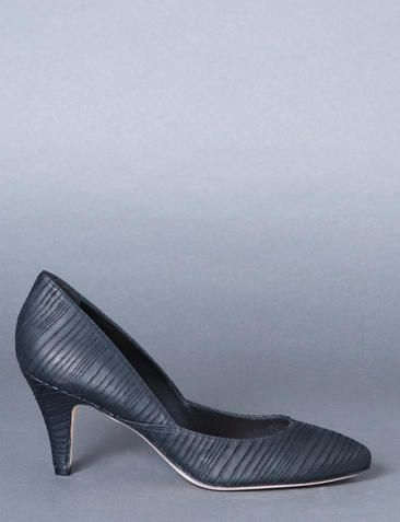 Bird :: collections :: shoes :: nubuck pumps