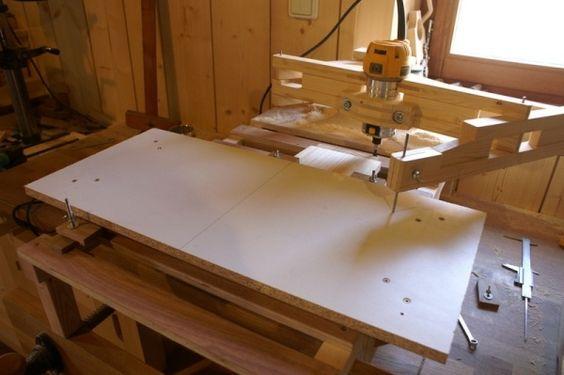 Table pour pantographe de défonceuse par Zeloko - Le [pantographe](http://www.lairdubois.fr/creations/35-pantographe-pour-defonceuse.html) pour défonceuse est une machine finalement assez intéressante pour copier. Et c'est aussi une machine très polyvalente....