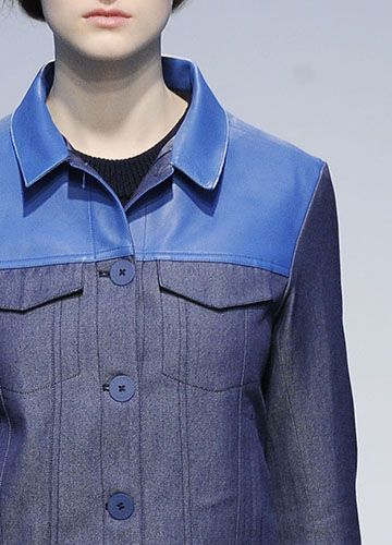 Sinônimo de atitude jovem, o jeanswear vem evoluindo a cada temporada, ganhando força nas coleções, ampliando as possibilidades de criação e arriscando novos estilos.