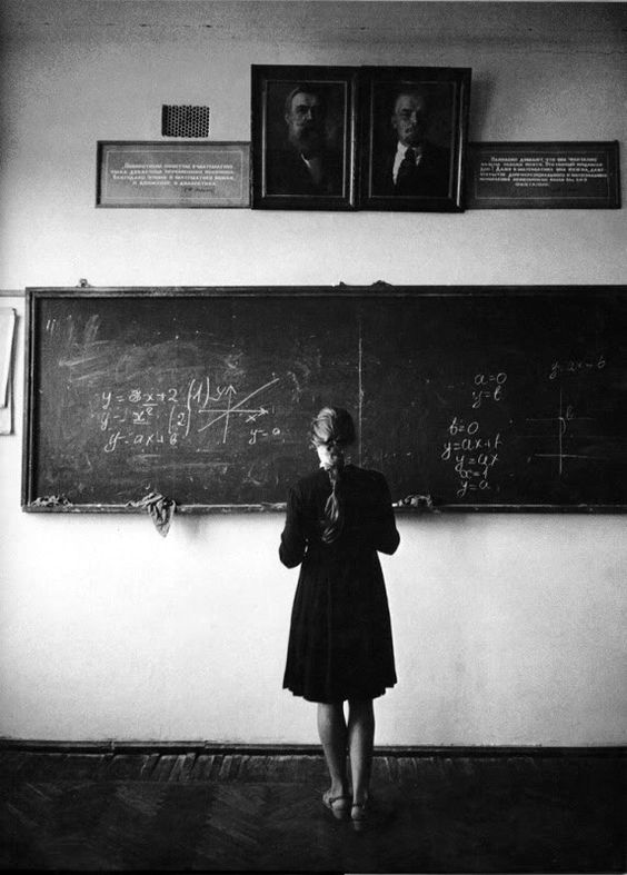 Schoolgirl in Kuban, 1965 (photo by Eve Arnold), via Revolvver