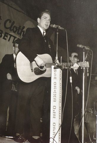 Fascinating Historical Picture of Willie Nelson in 1964