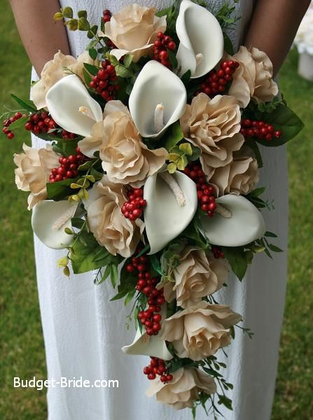 Wedding bouquets for december : December bouquets and calla lillies on