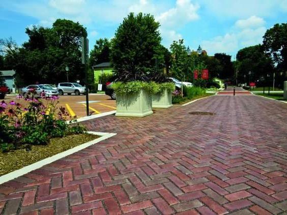 Unilock - Academic public square featuring Town Hall paver by Unilock
