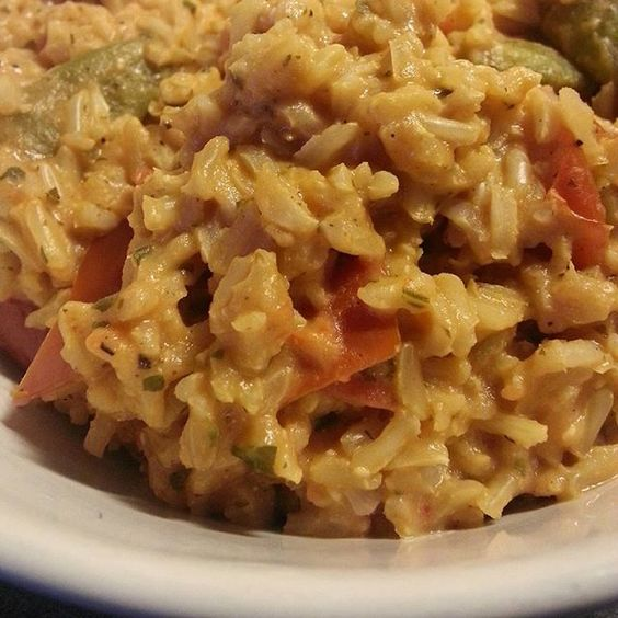 One-Pot-Rice  #vegan #glutenfrei #glutenfree #one_pot_rice #brauner_basmatireis #zuckerschoten #tomaten #tk-kräuter #salz #pfeffer
