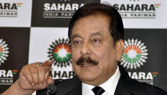 New Delhi: Sahara chief Subrata Roy, on Friday, told Supreme Court of India that he was ready to pay the additional amount of Rs 300 crores which he said should be adjusted to the bank guarantee. Subrata Roy had been given an extension by SC till September 16 to enable him to deposit Rs 300 …