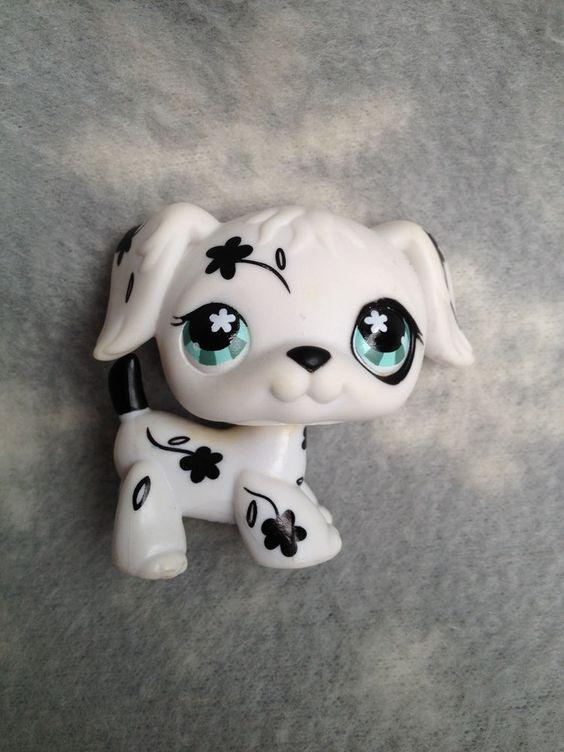 Littlest Pet Shop #469 black white flower dalmatian golden retriever blue eyes #Hasbro