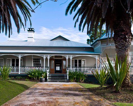 Traditional Australian Ranch House House Garden Classic