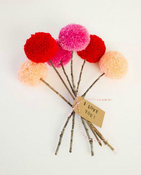 Easy Valentine's Day Pom-Pom Bouquet: