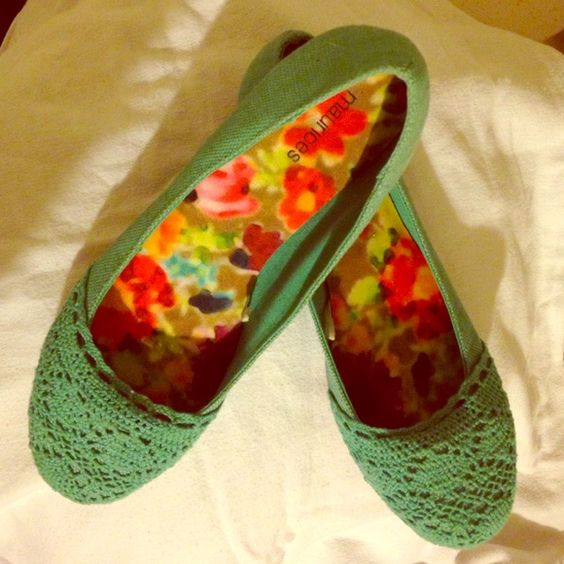 Brand new Maurice's teal crochet flats Brand new Maurice's teal crocheted flats. SUPER cute! They are a 7 but fit like a 6.5. I love them and would keep them but they don't fit me. You'll love them! Great spring/summer shoe. Maurices Shoes Flats & Loafers
