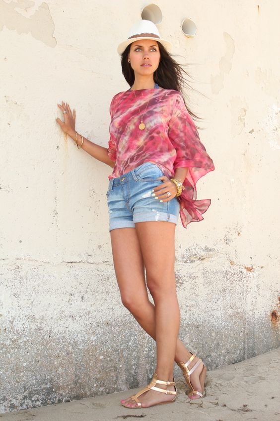VivaLuxury - Fashion Blog by Annabelle Fleur: INTERNATIONAL GIVEAWAY - Blouse & Pendant