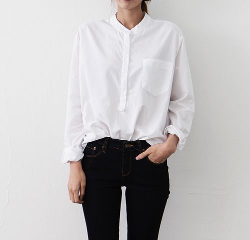 Simple collarless white blouse + black skinny pants   Skirt the Ceiling   skirttheceiling.com