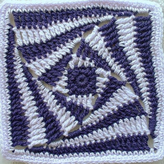 What a fab little crochet square right? Found viajmk101on Flickr
