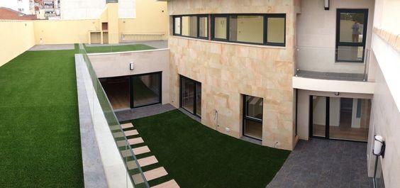 Jardin,  Estilo Contemporaneo, Verde, Beige, Blanco,  diseñado por SERVICOOP MANAGEMENT en Plan Reforma