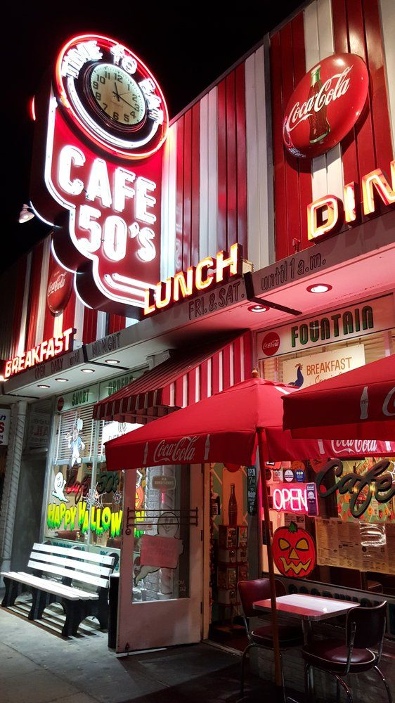 Cafe 50's - Los Angeles, CA, Estados Unidos. Signage