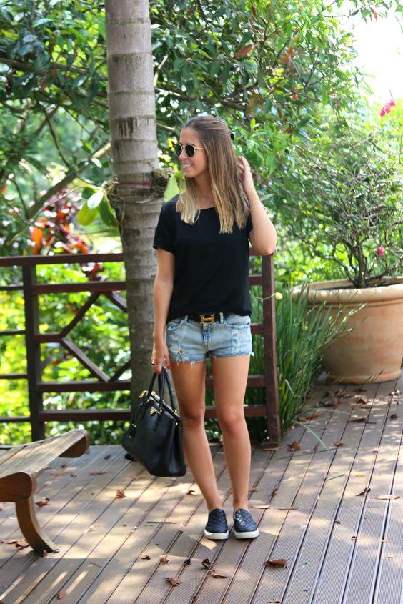 blusa preta baisca + short: