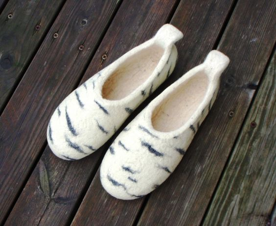 felted slippers Beerza taass