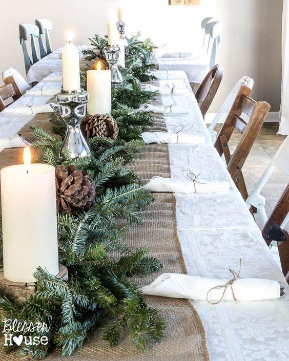 Une grande table de Noël ambiance nature, pour de nombreux invités !