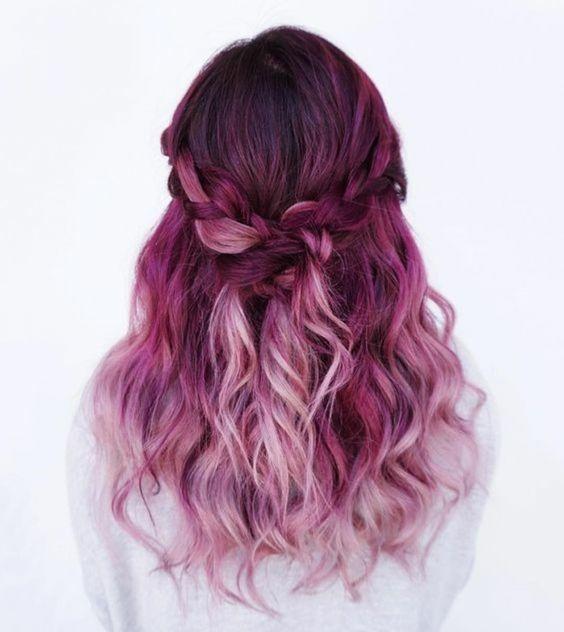 un balayage rose et rouge framboise jolie tresse couleur cheveux framboise - Coloration Cheveux Framboise