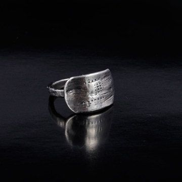 Renown Ring now featured on Fab.