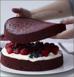 redvelvetcakesteps Red Velvet Cake with Raspberries and Blueberries ...