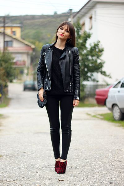 How to wear all black look - Get this look: https://www.lookmazing.com/images/view/23442?e=1&shrid=431_pin