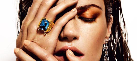 Para reparar los labios, para hacer un look glossy, para un efecto buena cara... 15 productos que adoran los que más saben
